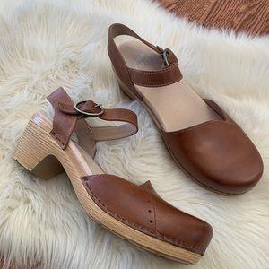 Dansko brown leather clog sandals size 39 new